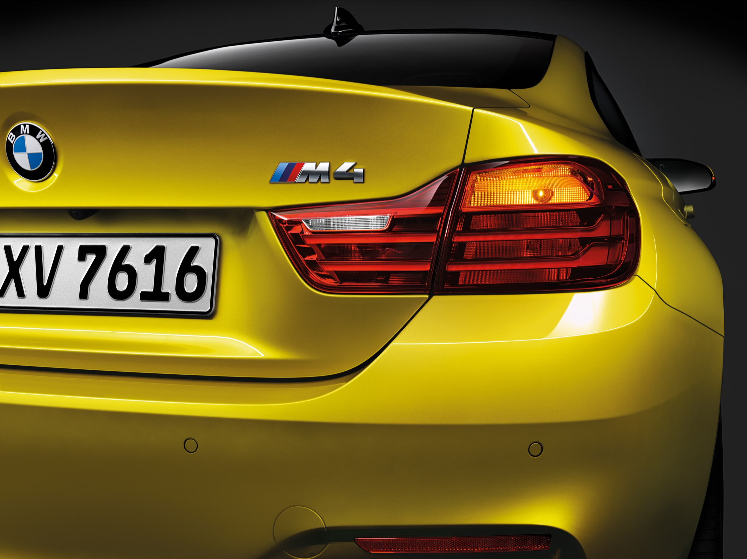 P90140442_highRes_the-all-new-bmw-m4-c