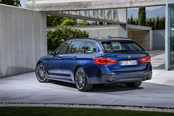 P90244988_lowRes_the-new-bmw-5-series (1)