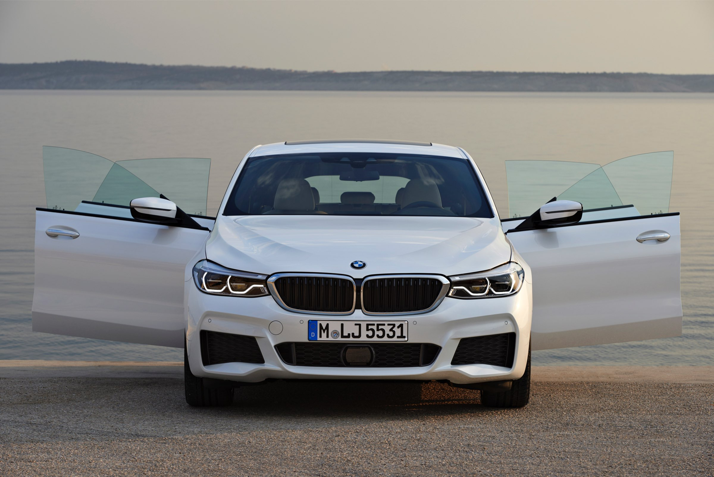 P90260728_highRes_bmw-6-series-gran-tu