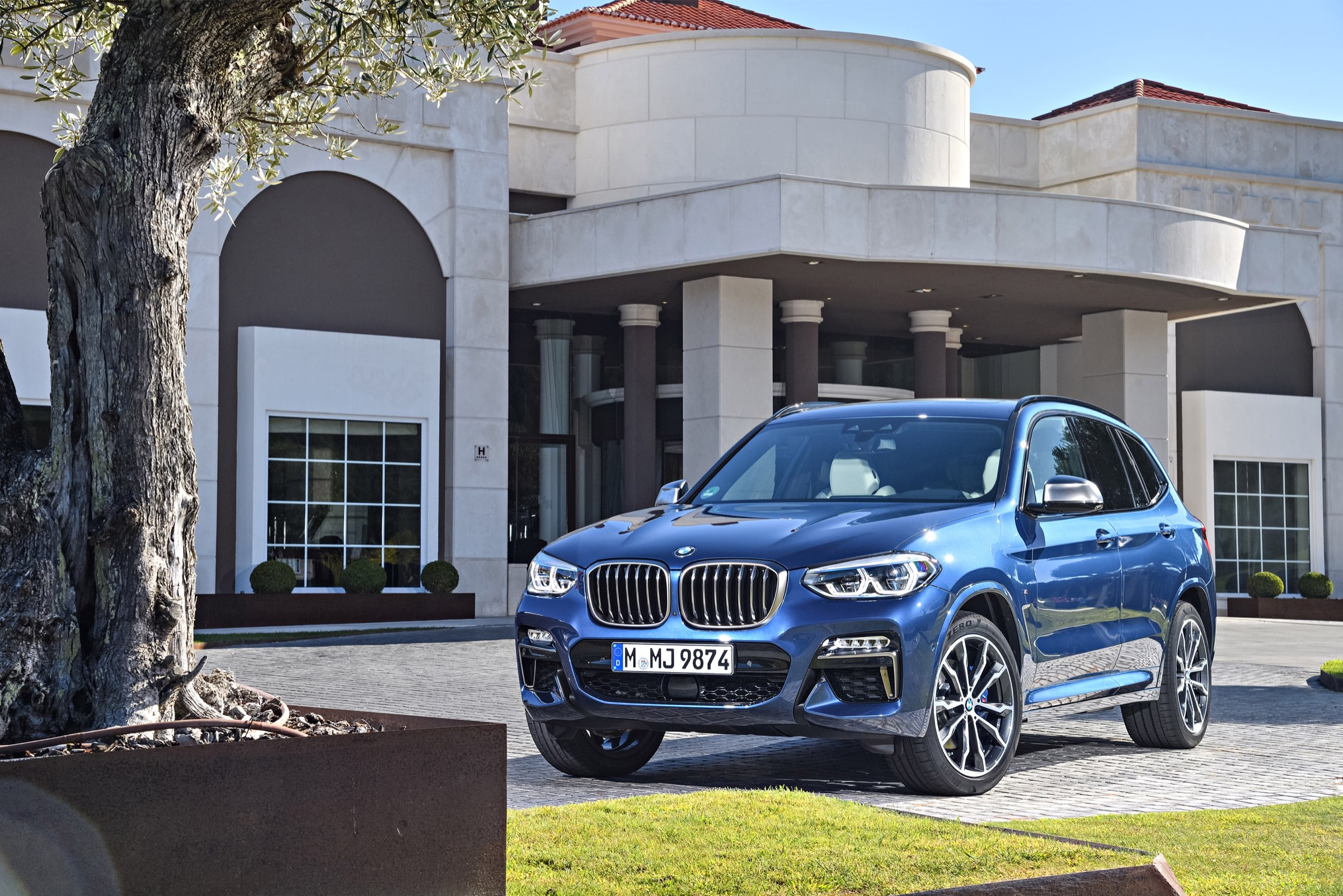 P90281735_highRes_the-new-bmw-x3-m40i-